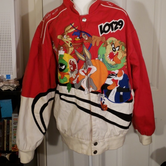 8020f53ea Lot 29 Jacket with Looney Toons characters XXL